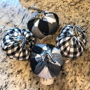 NEW-Bundle of Black & White Pumpkins for JillWH
